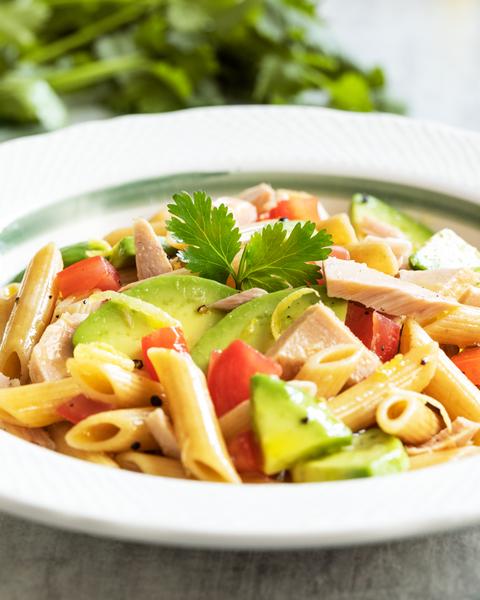 Barilla_CPU_Wholegrain Penne Salad with tuna and avocado_image_closeup